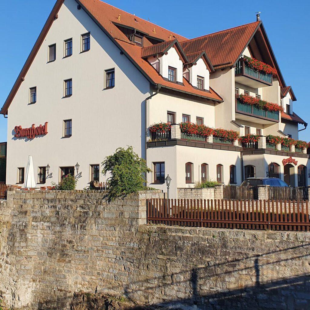 fuenf-fluesse-radweg-hotel-neumarkt